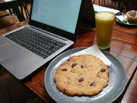L'Atelier, giant cookie